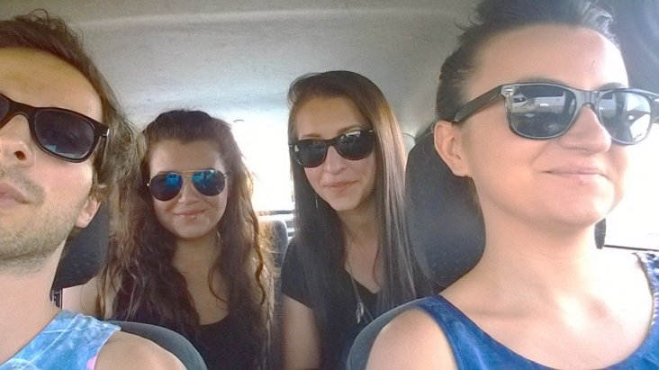 Spre summerwell 2014. Eu, Alecsandra, Roxana și Andra